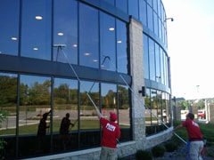 Exterior commercial window cleaning