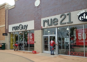 Cleaning The Rue 21 in Howell MI