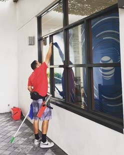 Fish Window Cleaning Cleaning San Diego AT&T Store
